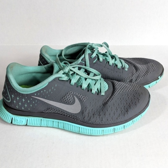 new product dcadf 305b3 Nike Women s Athletic Running Walking Shoes. M 5c5dc5c56a0bb7b57f264ec4